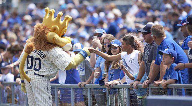 Picture of fan greeting Sluggerrr