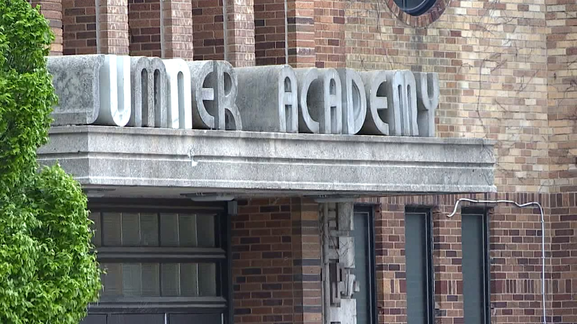 Picture of Sumner Academy sign