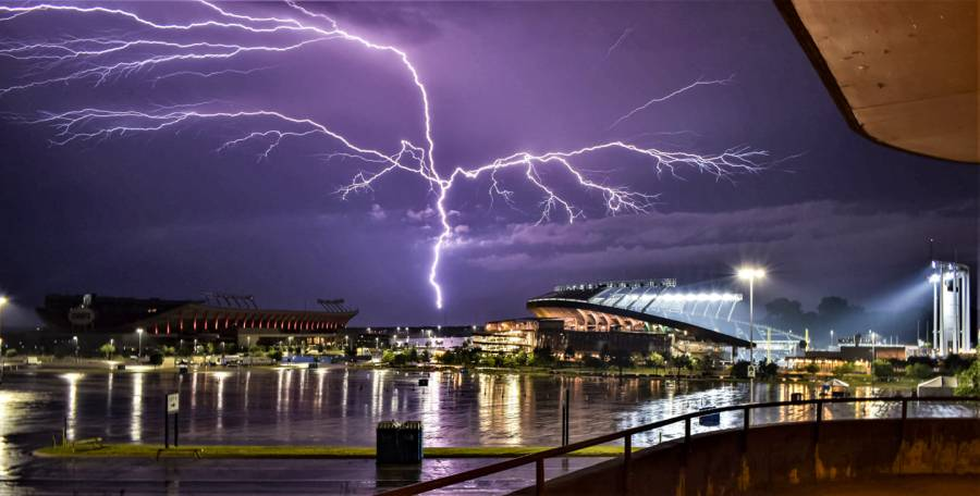 Picture of storm lightning