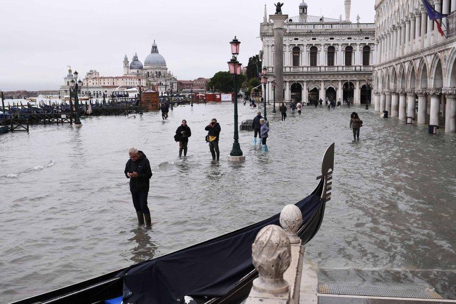 Venice Flooding picture
