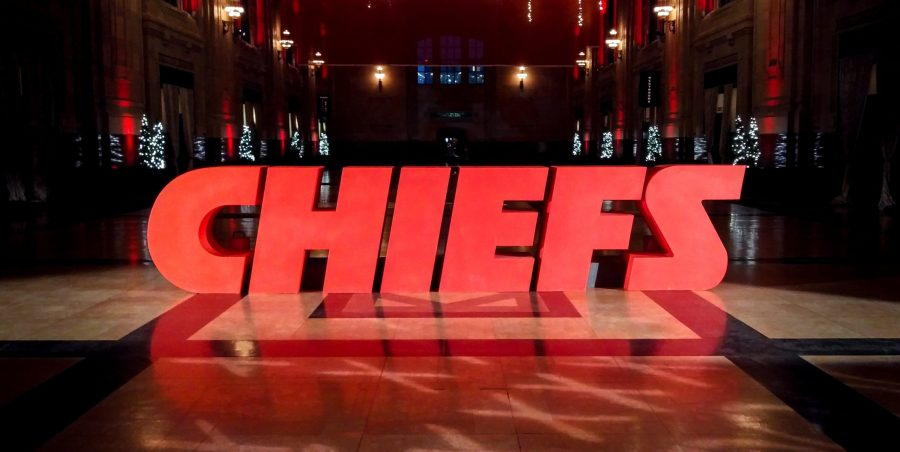 Chiefs sign at Union Station picture