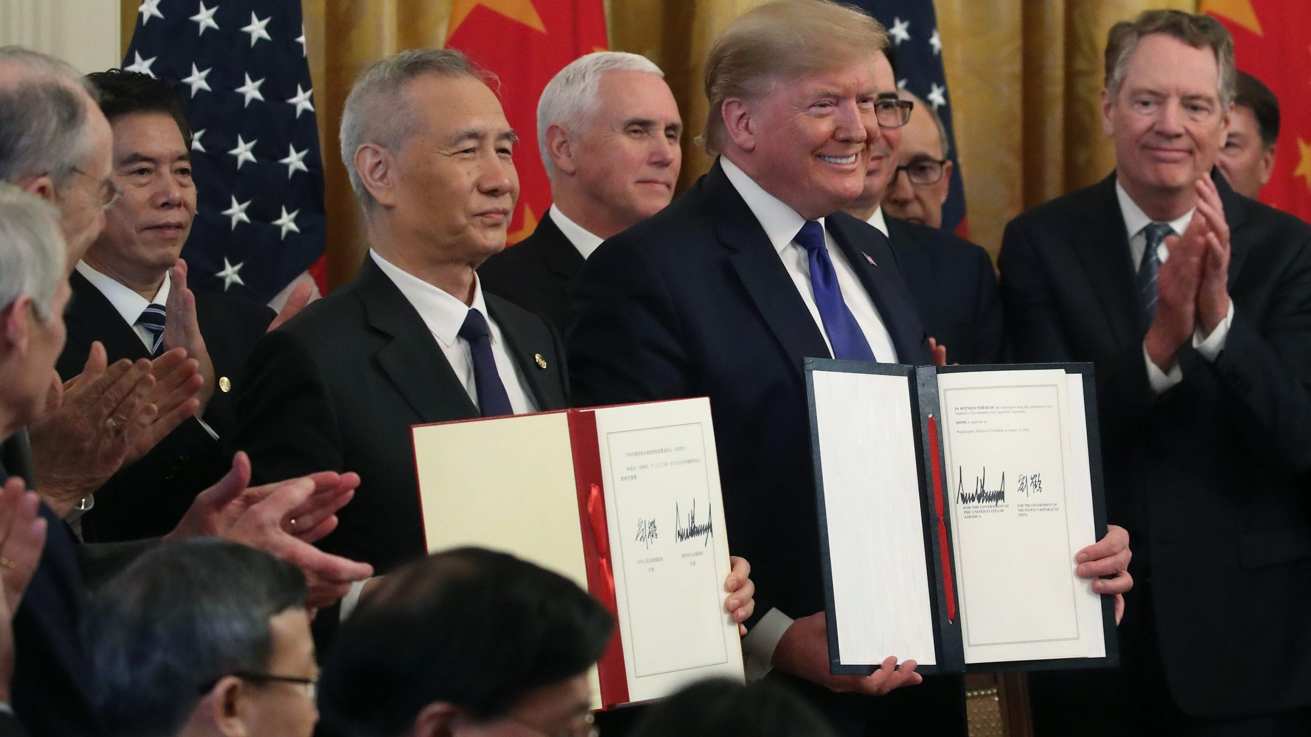 Picture of Trump and China officials signing trade deal