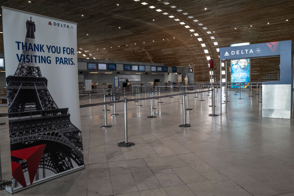 Picture of no one in line for flights to Paris