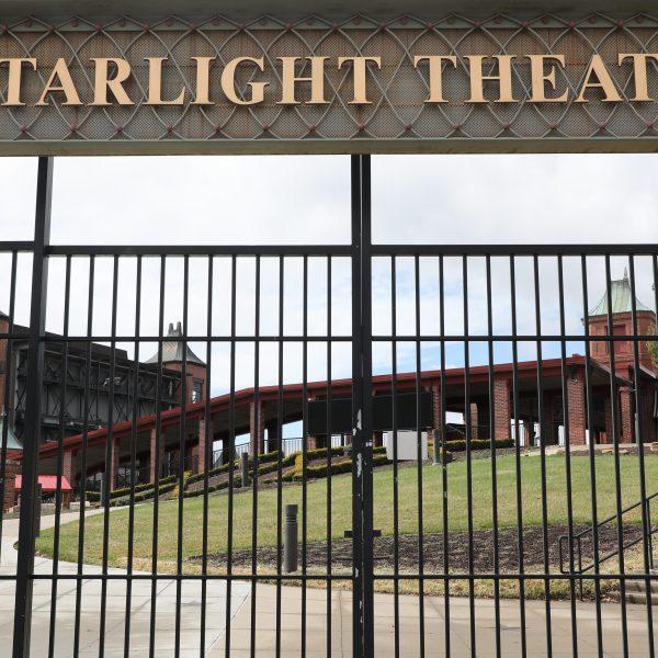 Picture of Starlight Theatre sign