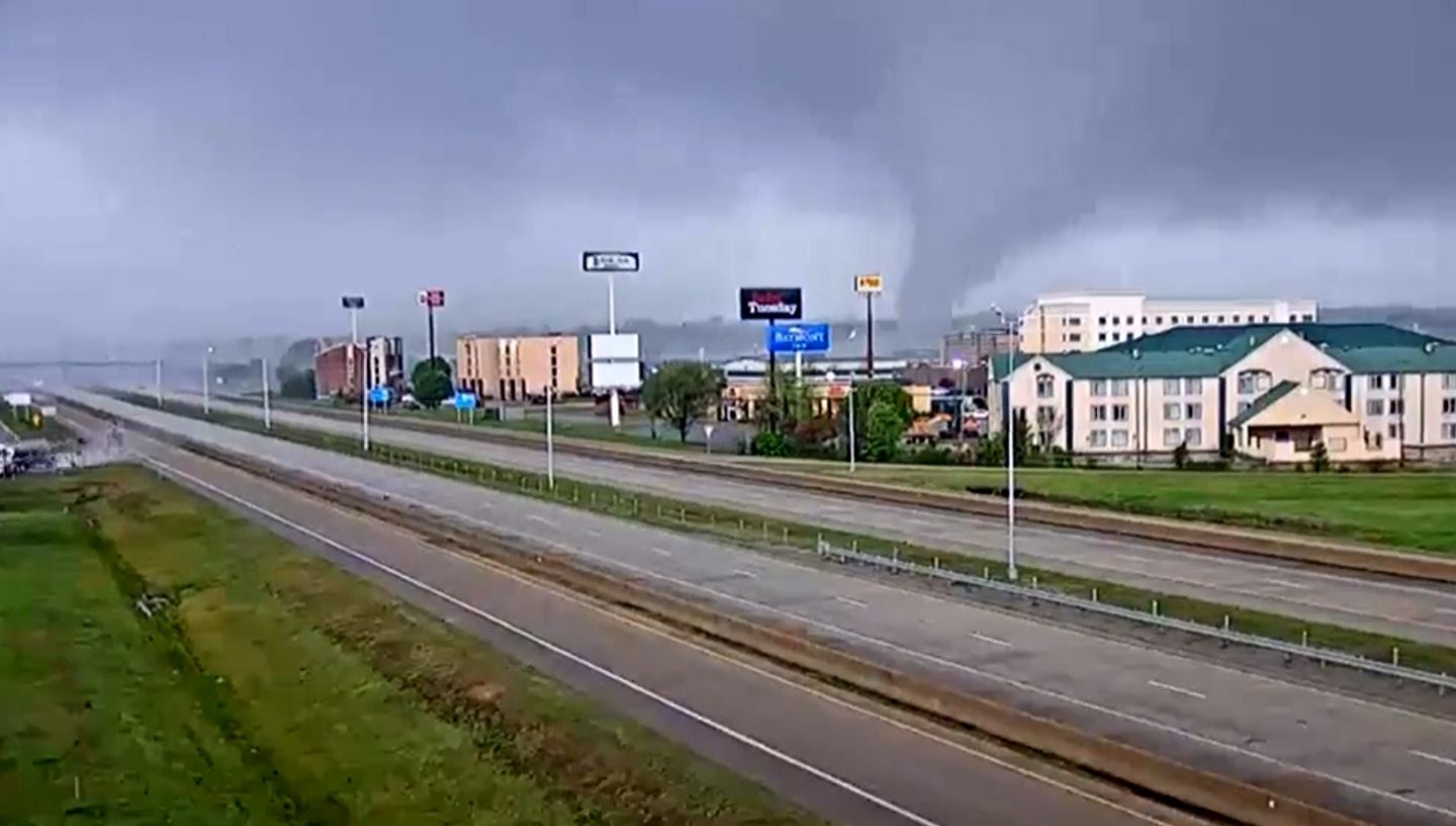 Picture of tornado in Jonesboro, Arkansas