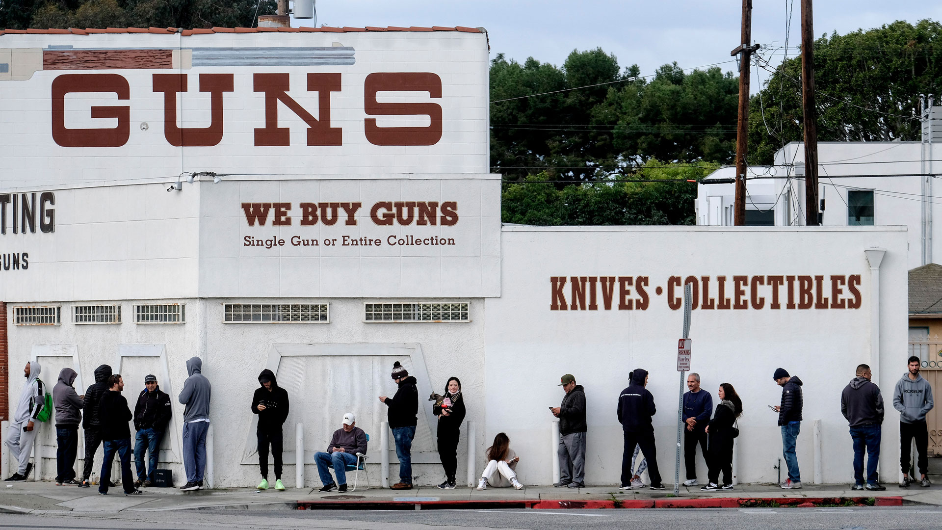 Picture of line outside of gun store