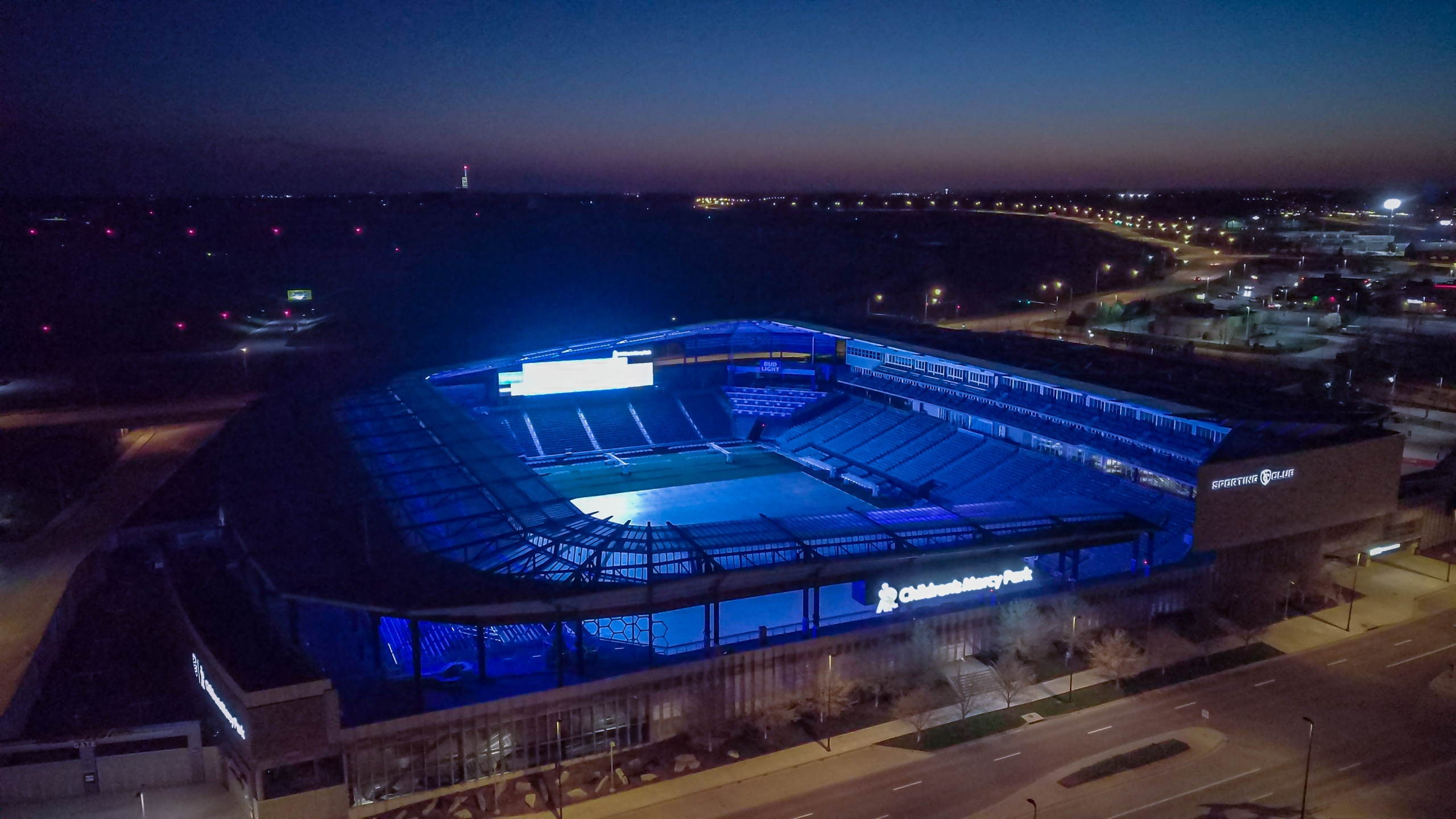 Picture of Children's Mercy Park lit blue