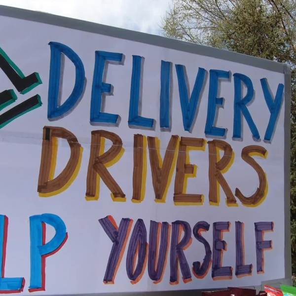 "Picture of sign saying ""all delivery drivers help yourself"""