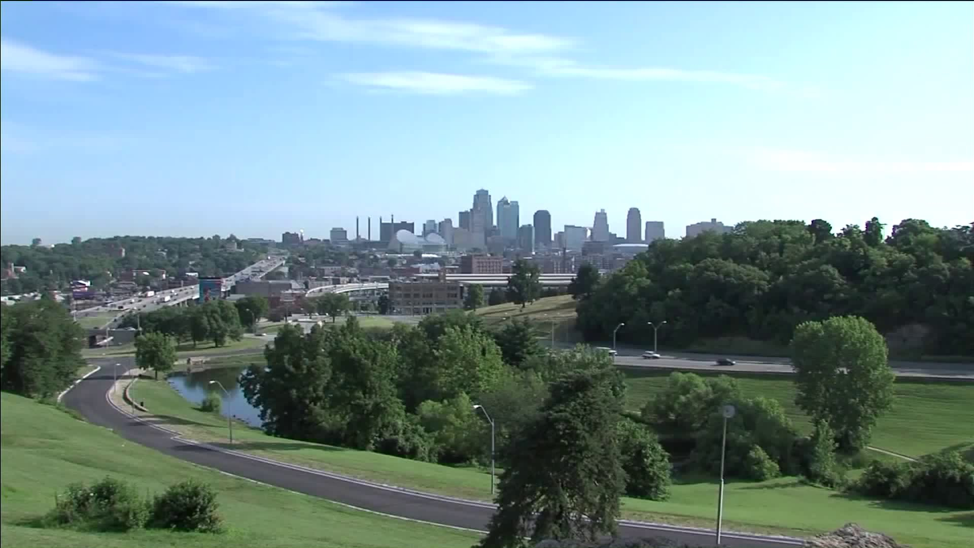 Wide shot of Kansas City downtown skyline