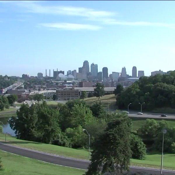 Wide shot of Kansas City downtown skyline