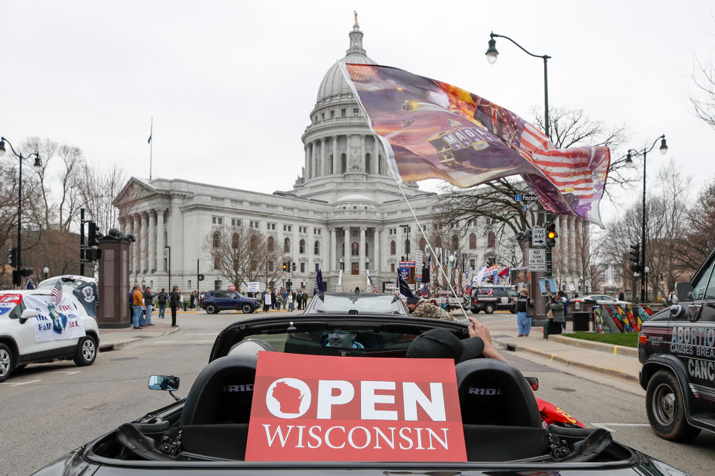 Picture of protest at Wisconsin capitol