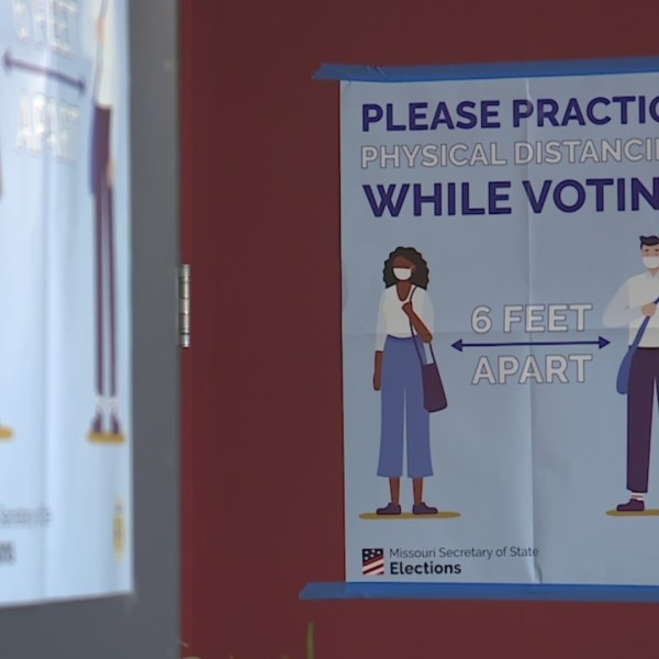 Picture of social distancing sign at polling place