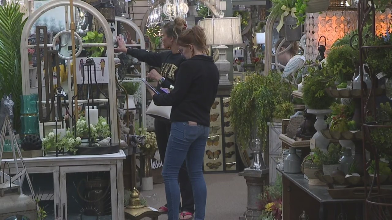 Olathe business owner defies Johnson County stay at home extension ...