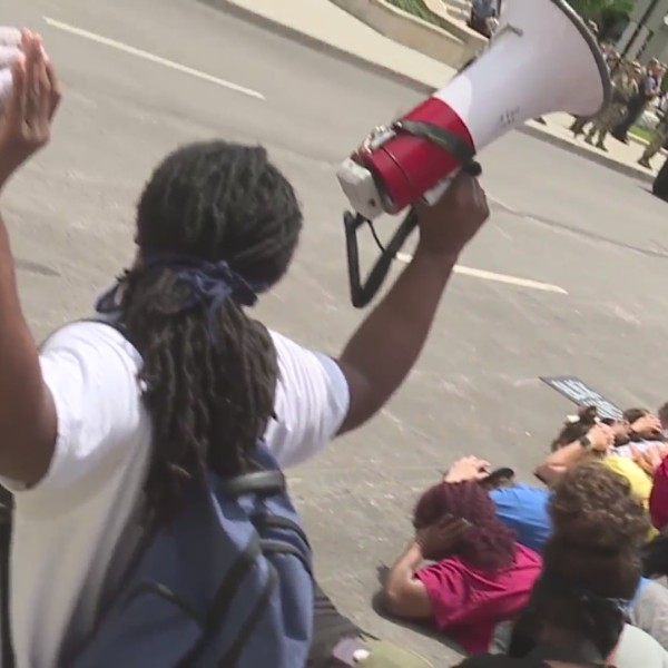kansas-city-downtown-protests