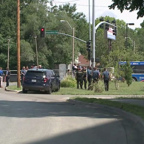 kansas-city-officer-involved-shooting-july-2 picture