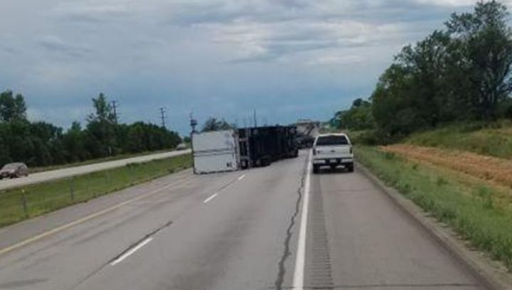 Picture of overturned semi on I-35 in Iowa just north of Des Moines