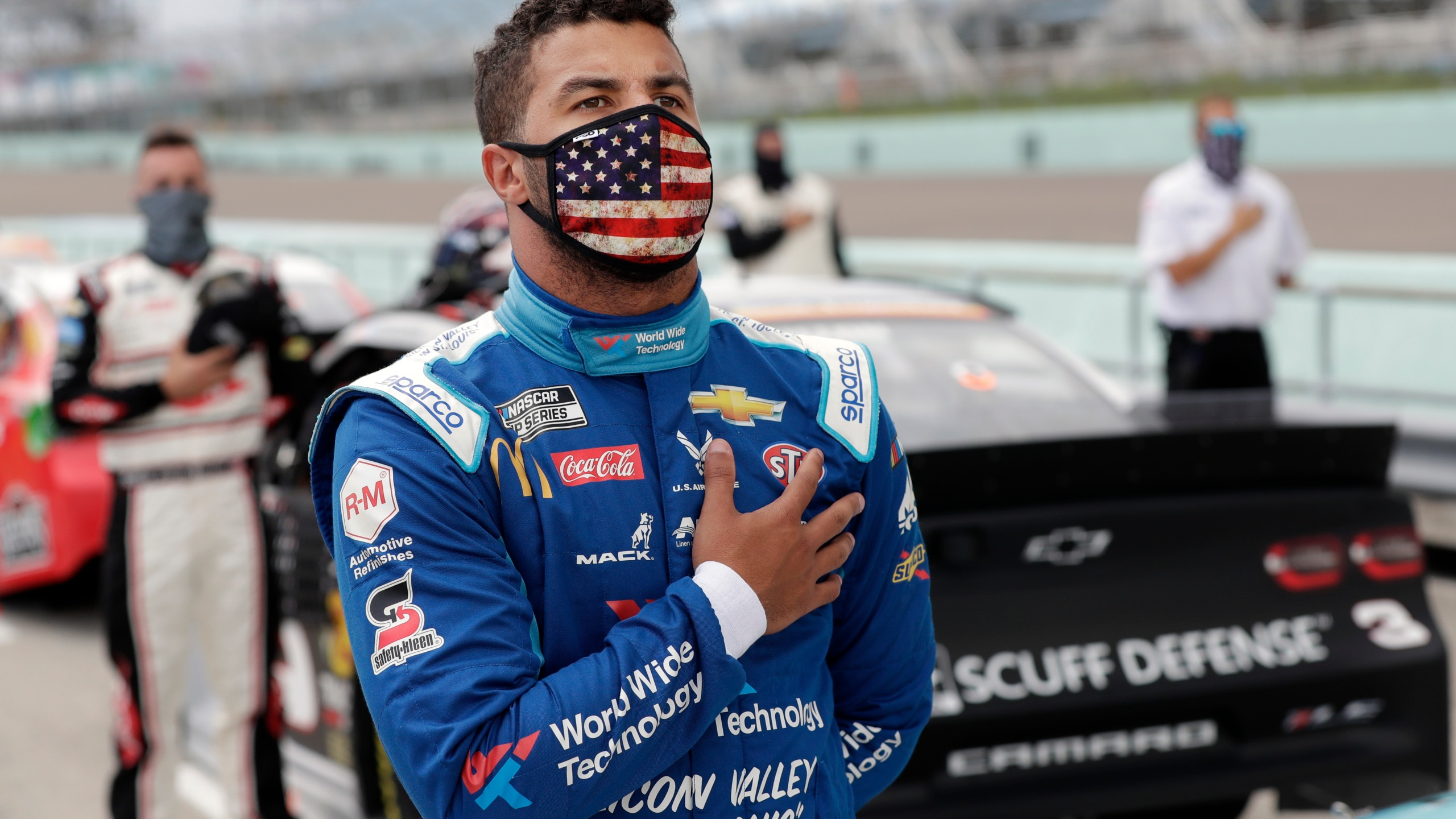 Denny Hamlin And Michael Jordan Starting New Nascar Cup Series Team With Bubba Wallace As Driver Fox 4 Kansas City Wdaf Tv News Weather Sports