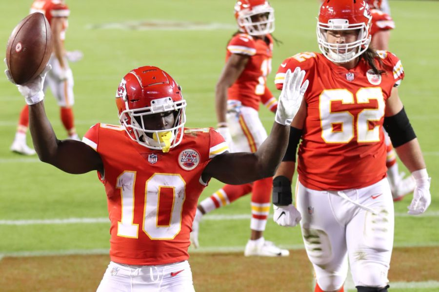Tyreek Hill celebrating