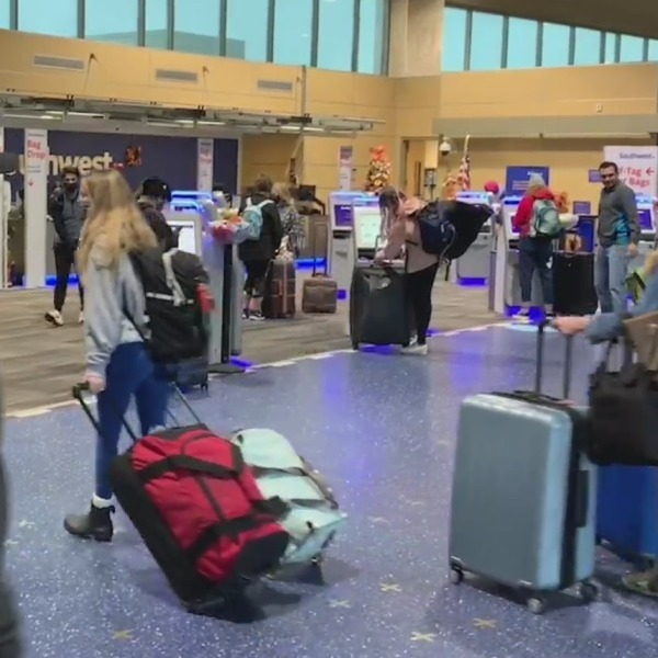 Picture of travelers at KCI