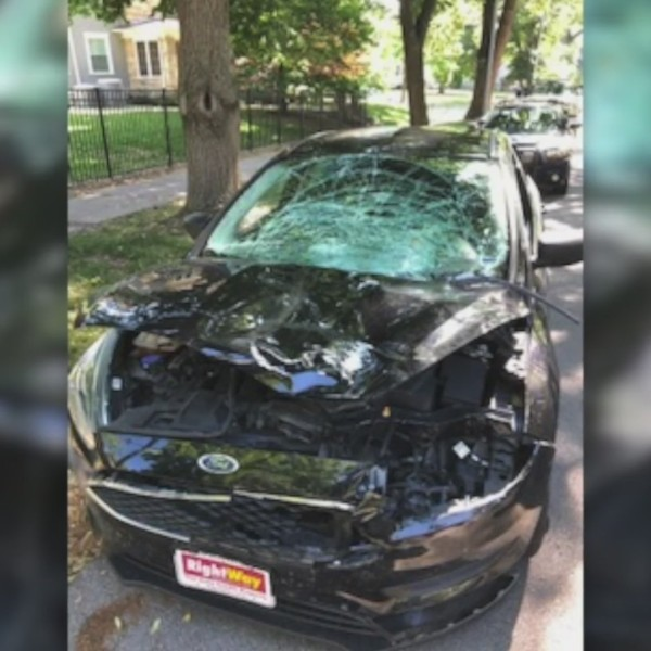 Picture of a crashed car