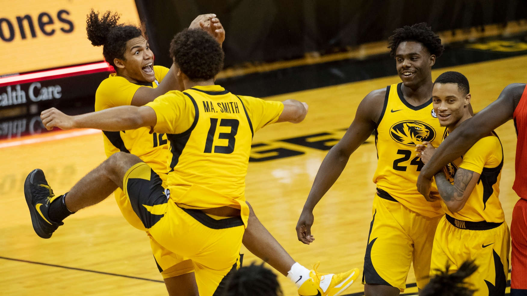 Mizzou basketball holds off a late charge to beat No. 6 ...