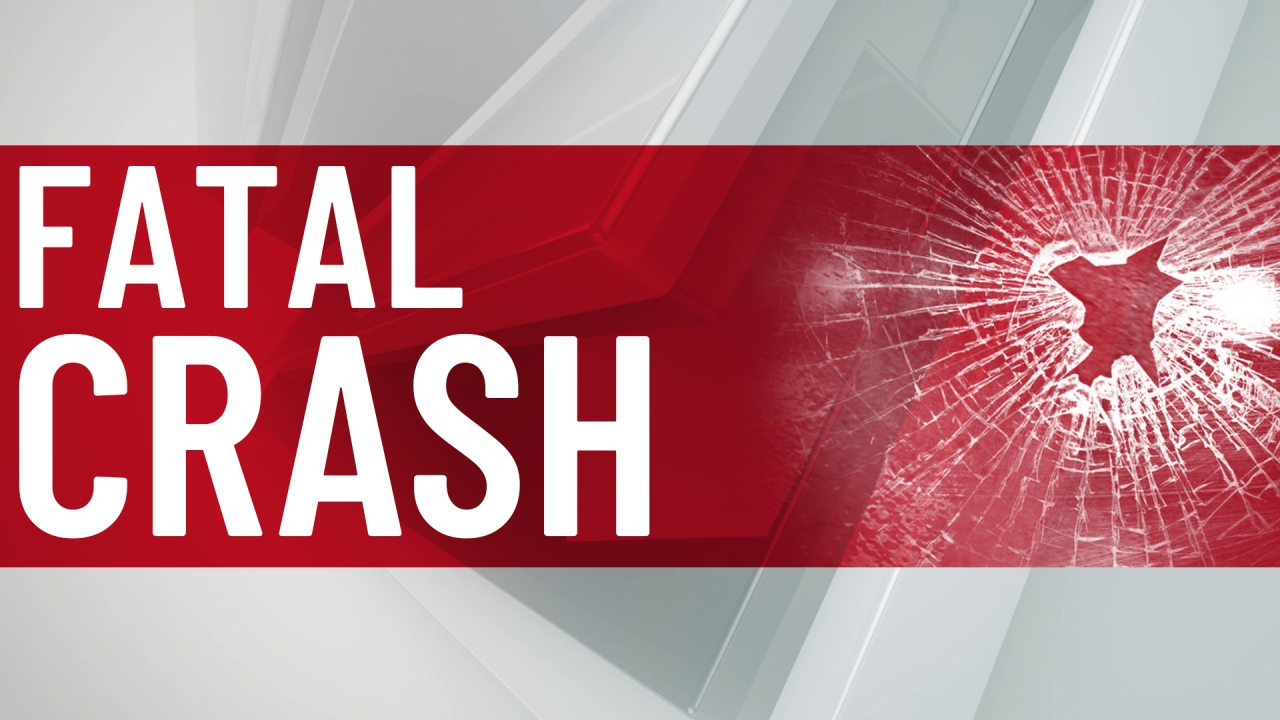 One person dead in crash on I-35 at Metcalf Avenue