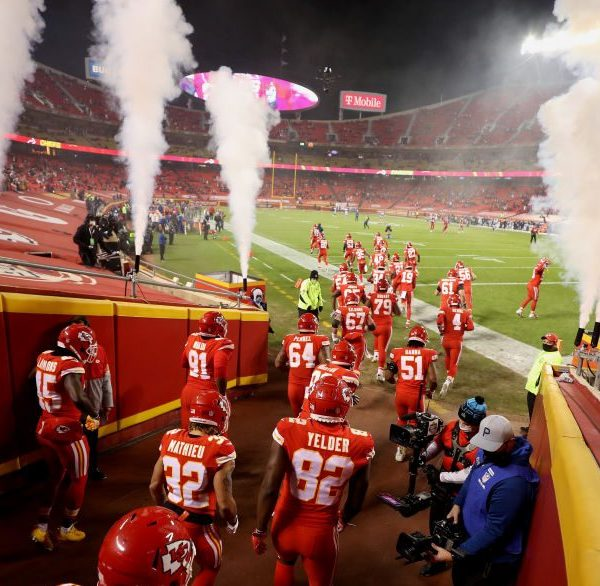 Picture of Chiefs running onto Arrowhead