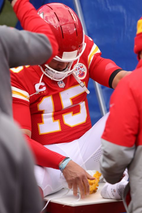 Mahomes sidelined with a foot injury
