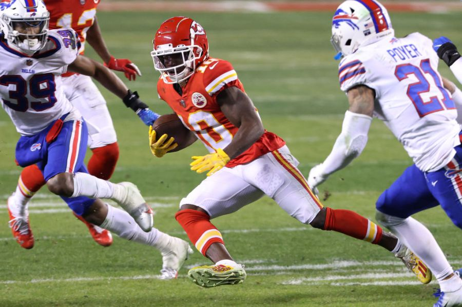 Picture of Tyreek Hill running
