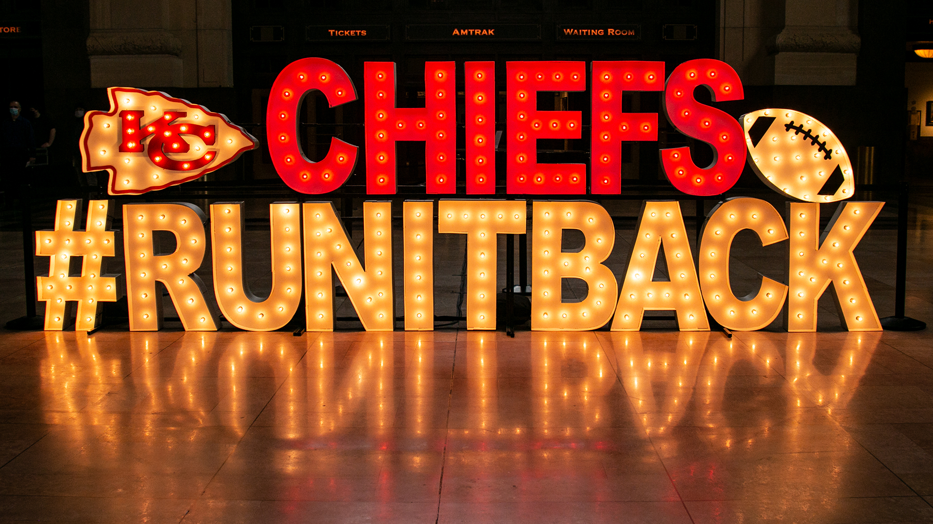 Picture of Chiefs run it back sign at Union Station