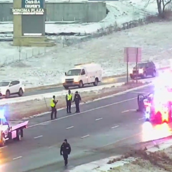 Picture of crash on I-435 and 87th