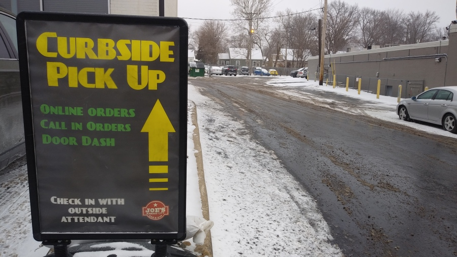 Picture of curbside sign at Joe's