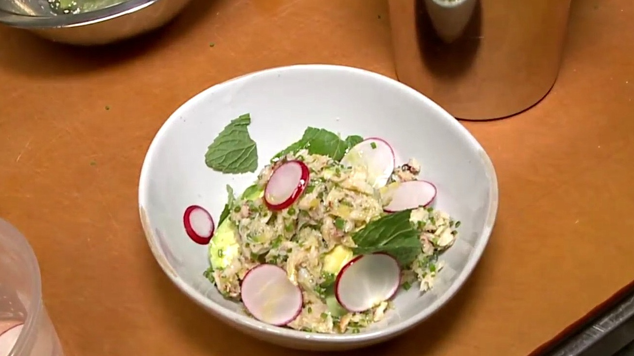 Picture of peekytoe crab and avacado salad