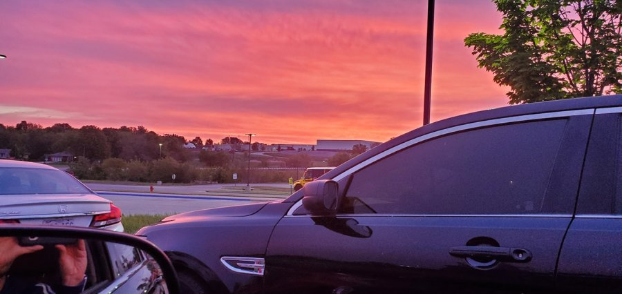 Picture of orange and pink sunrise