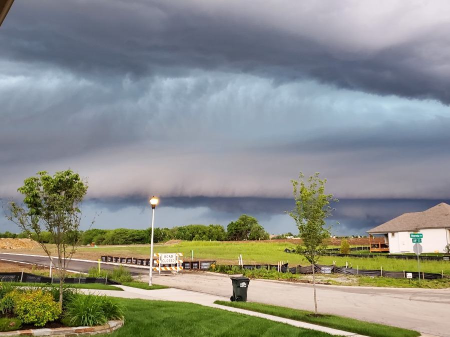 An approaching shelf cloud is seen in Overland Park, Kansas on May 27, 2021. Photo by Mike Bajenski.
