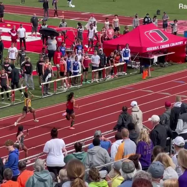 Picture of Zaya Akins running